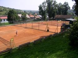 Tenisové kurty (Zdroj: Mesto Levoča